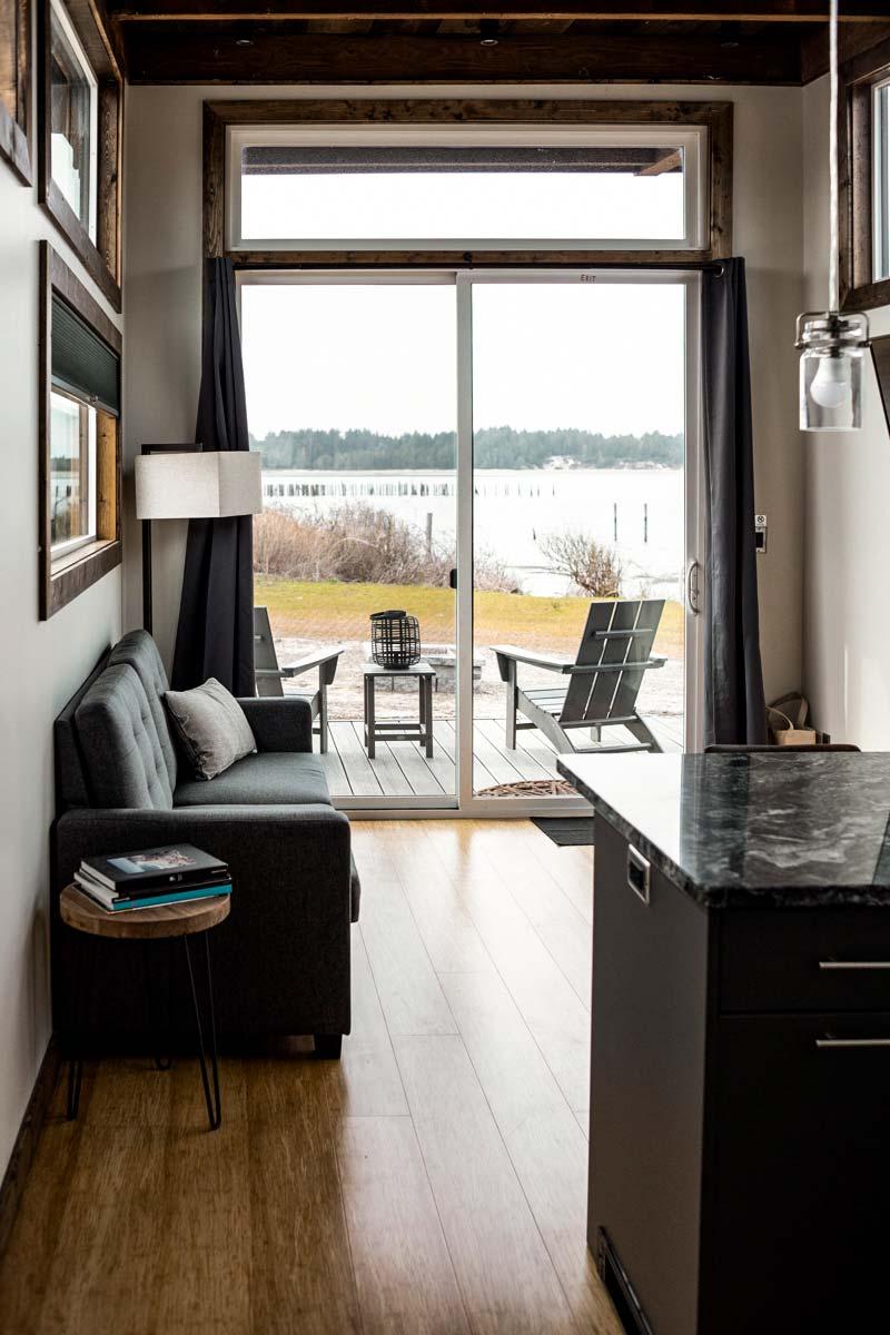 Pleasant Modern Cabins Bay Point Landing Frankydiablos Diy Chair Ideas Frankydiabloscom